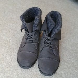 Madden Girl Ruxben lace up booties